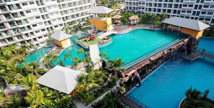 Chi-Maldives Jomtien Pattaya resortPool view
