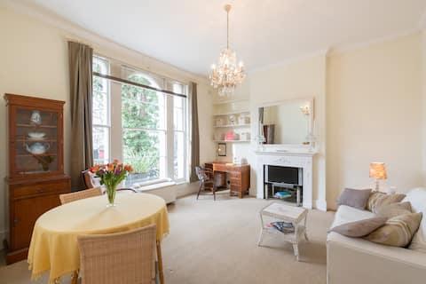 Charming, spacious & central Victorian Apartment