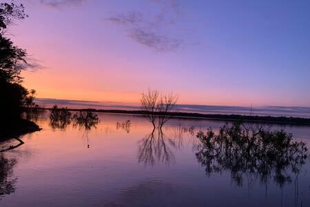 Lake house Getaway on Pomona lake