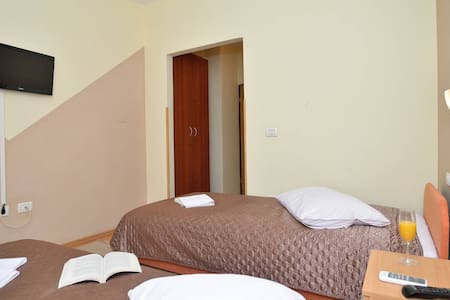 B&B ,wi-fi,parking,air condition... - Pula - Bed & Breakfast