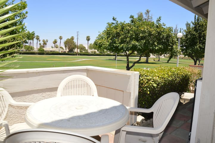 Fairway Triumph - 2 Bed + Den  - Palm Springs - Apartment