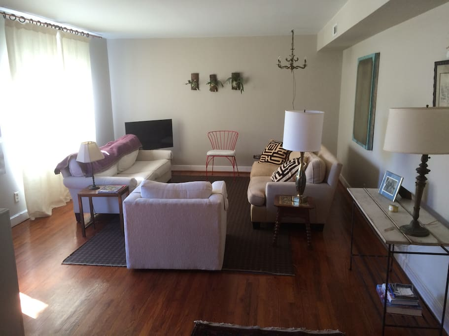 Clean Comfortable Apt Downtown Apartments For Rent In Charleston South Carolina United States