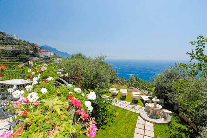 Perfect Villa Amalfi up to 13 guests! Nearby Pool.