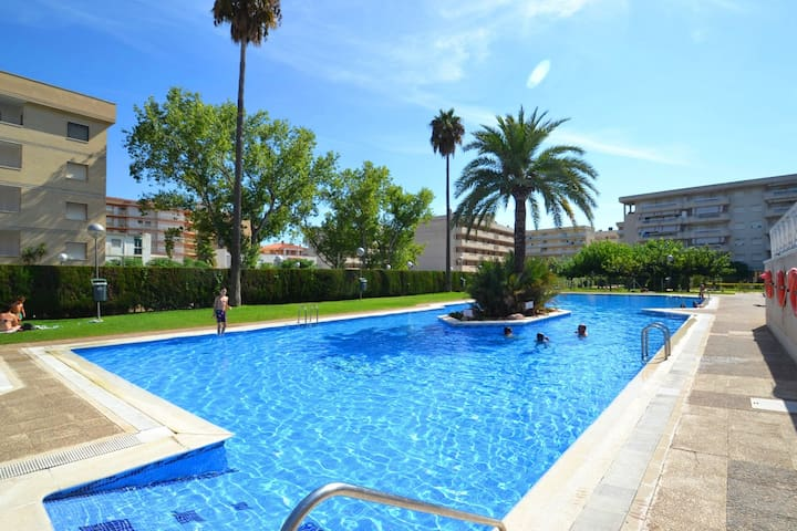 VIVES with community pool, beach at 200m