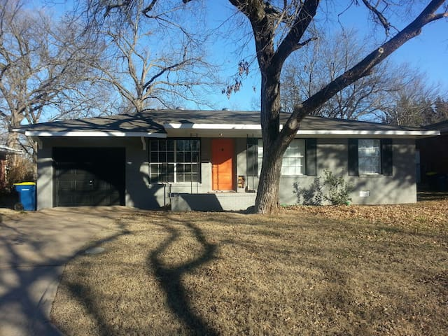 3 Bed home 1 mi. from Boone Pickens - Stillwater - Rumah