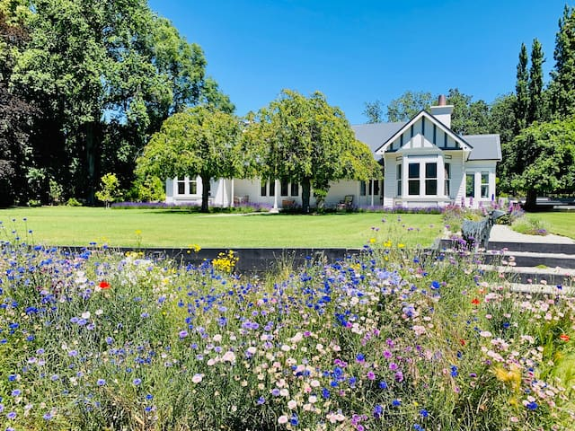 The Homestead at Lake Hayes - Historic Homestead