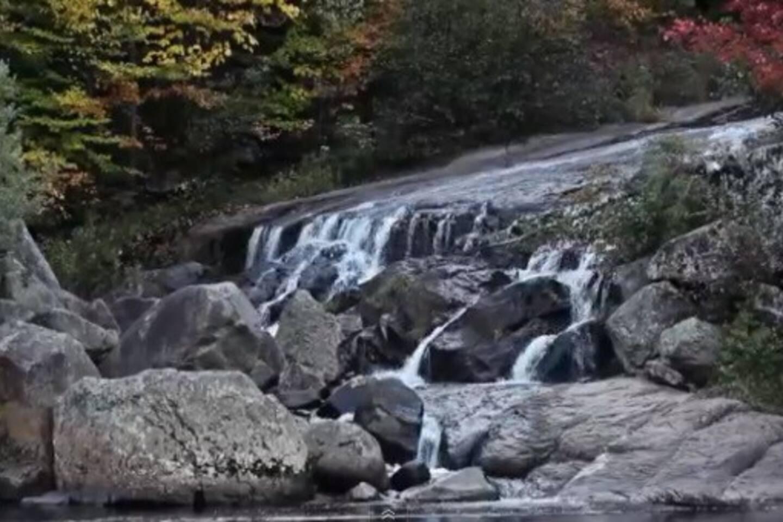 Chalet bois rond 5 stars lac privé   chalets à louer à l'ange gardien