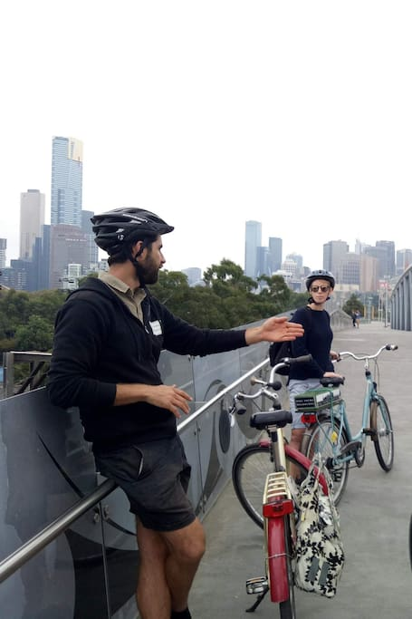 Relaxed tour of Melbourne with coffee