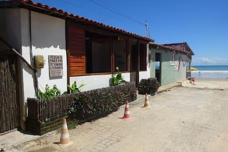 CASA DE PRAIA  GUAJIRU (FLECHEIRAS-CE)