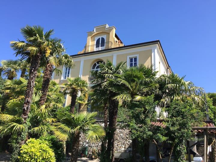 Villa Lavinia - The Pink Room (Ensuite bathroom)