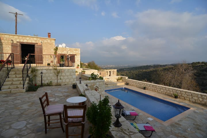 Outstanding view to the mountains