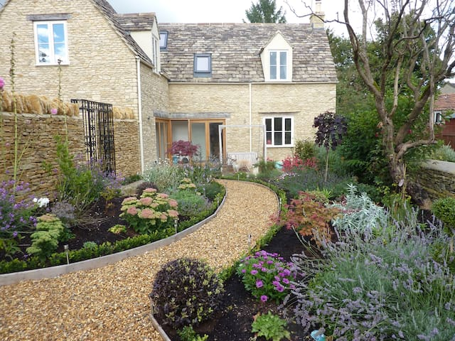 Little Maunditts Cottage, Sherston - Sherston - Rumah