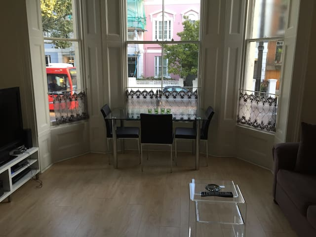 Sunny Room Available in Beautiful Primrose Hill