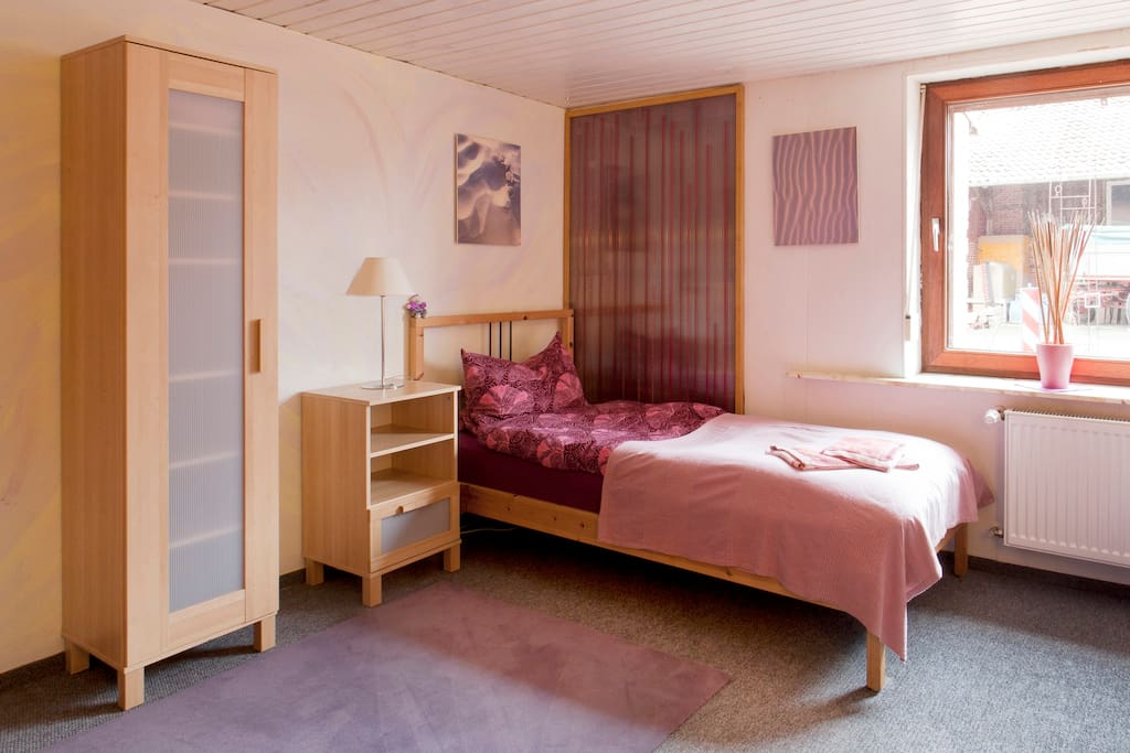 Messe und monteurszimmer twin chambres d 39 h tes louer for Chambre hote allemagne