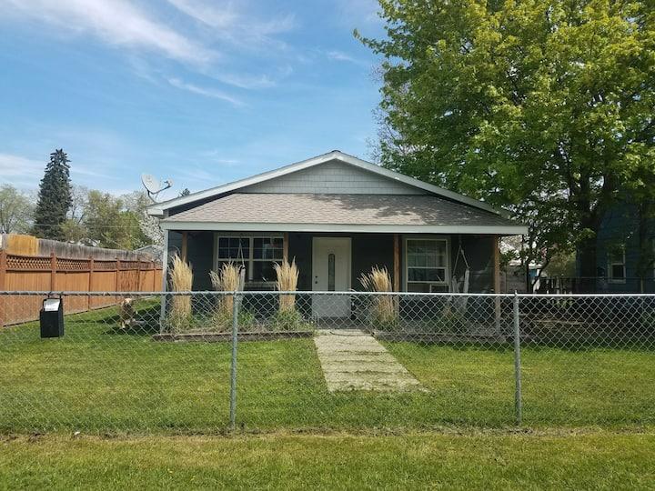 Tuckers Montana Retreat - Home in Paradise