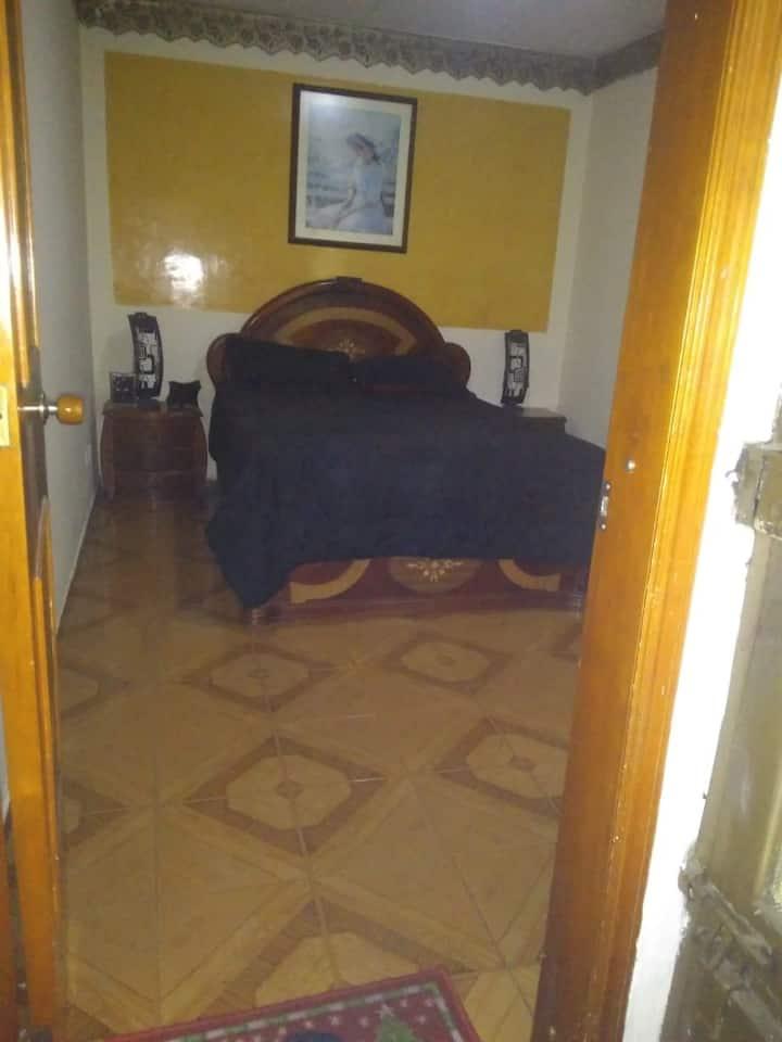 Habitación, apartamento compartida con anfitriona