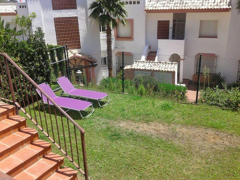 Jardín PRIVADO de 50 metros perfecto para niños.