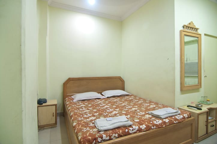 Cozy Guest House(South Kolkata)