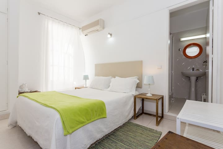 Guesthouse Imperial - Tavira - Bed & Breakfast