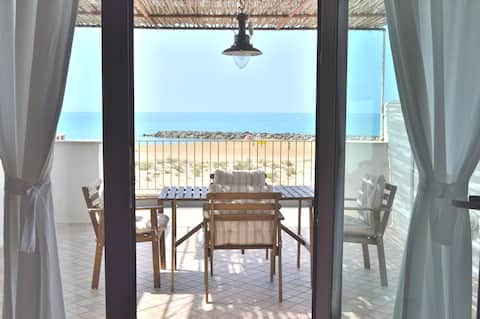 * House on wilde sandy beach in Sicily | Terrace