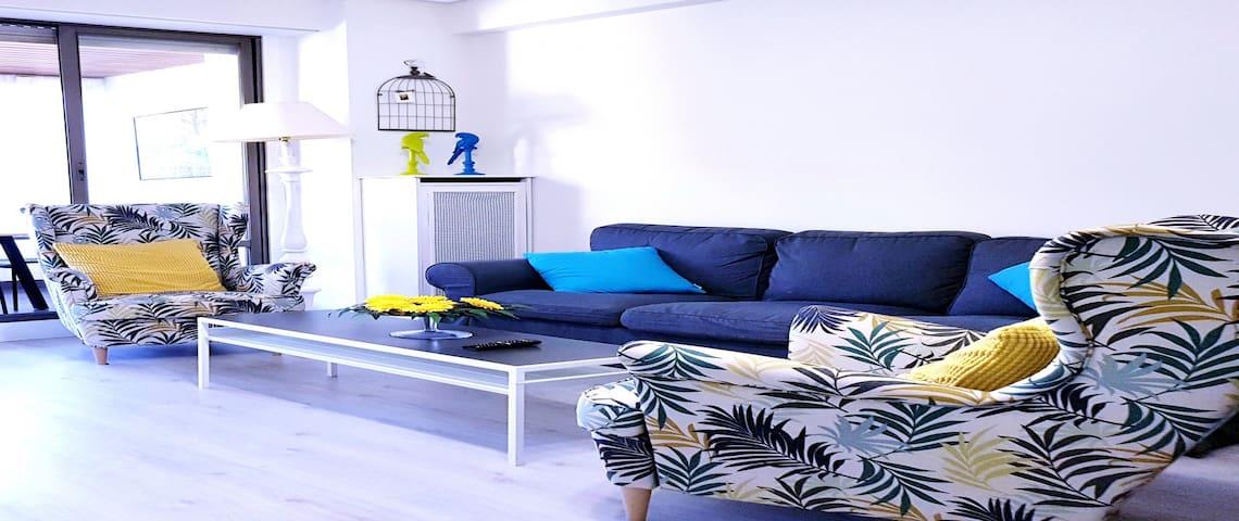 Lorea flat (con piscina en verano y garaje gratis)