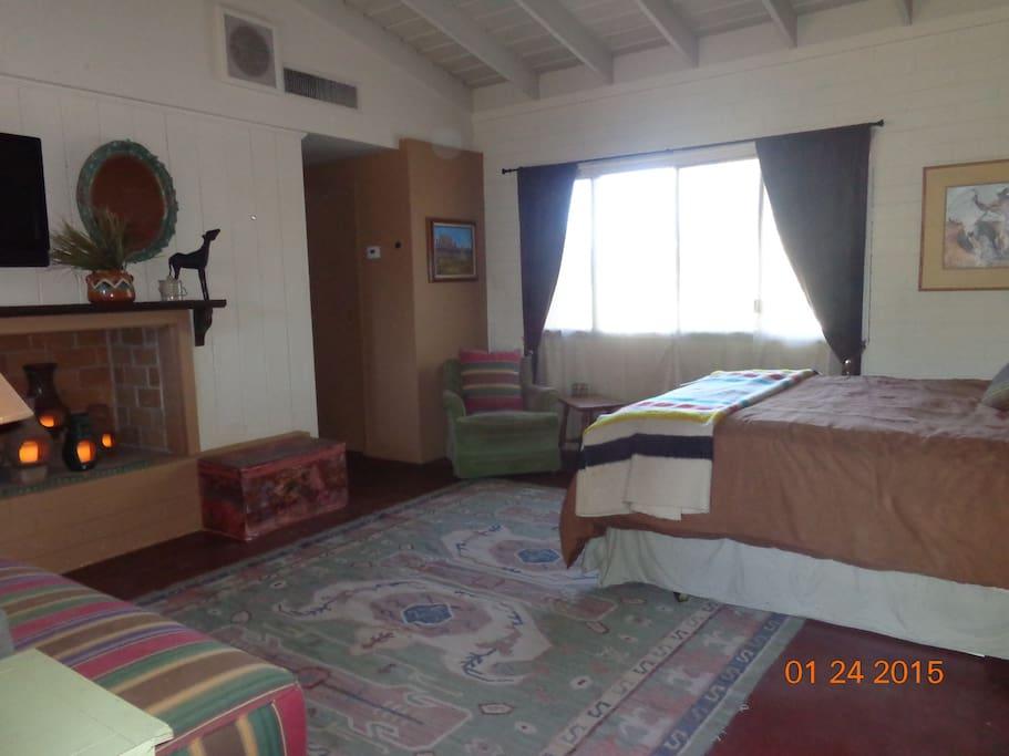 Room / Suite 1