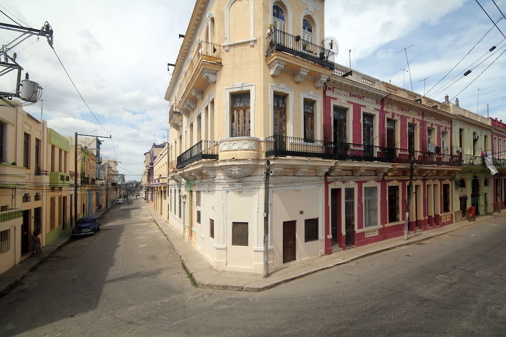 havana tours rental maisons louer centro havana havana cuba. Black Bedroom Furniture Sets. Home Design Ideas