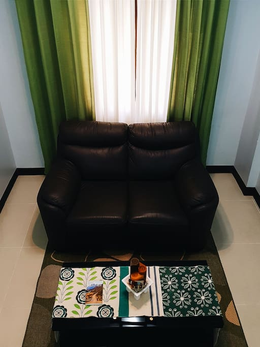 2-seater deluxe couch