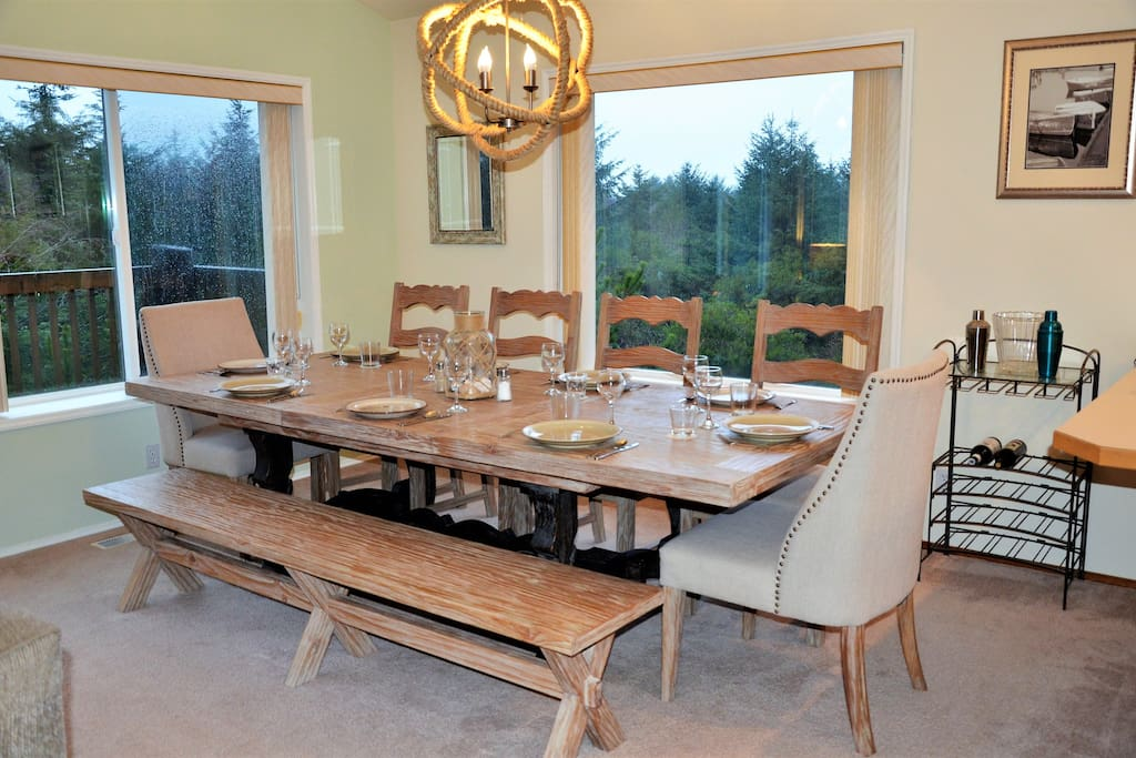 Dining room comfortably seats 10