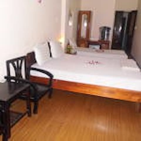 Hanoi Alibaba Hotel - Hanoi, Vietnam - Bed & Breakfast