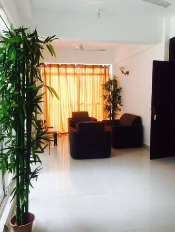 Semi luxury apartment with sea view - Dehiwala-Mount Lavinia - Apartment