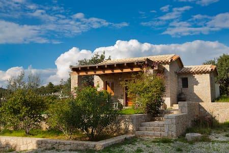 Wonderful cottage next to the beach - Porto Cheli - Haus