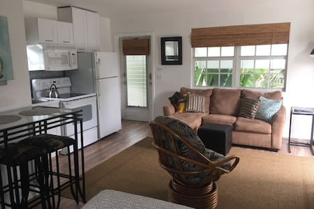 WOW STUNNING MINS 2 BEACH LUXURY STUDIO W BALCONY! - Lake Worth - Apartemen