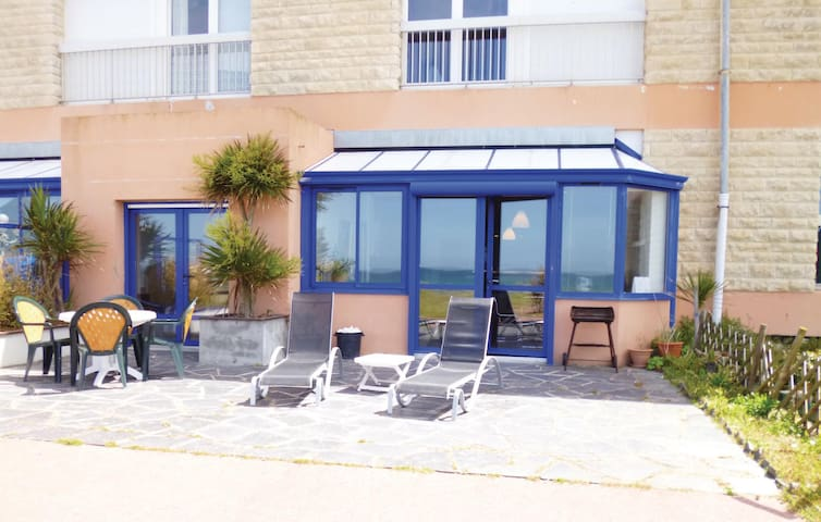 Holiday apartment with 2 bedrooms on 90 m² in Siouville