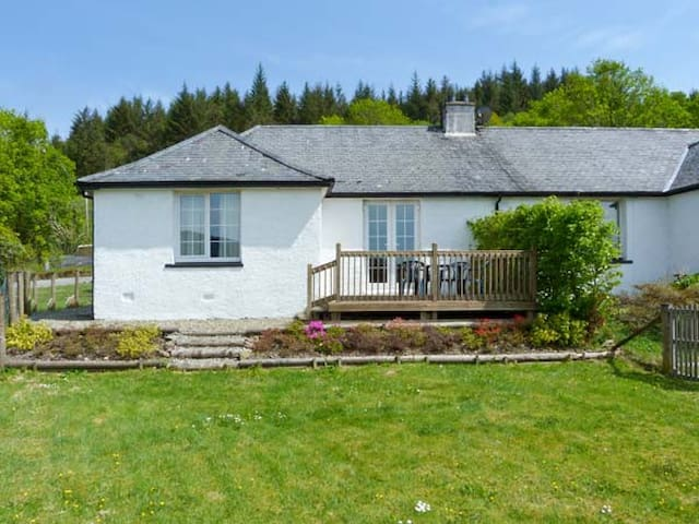 DROVER'S WAY, family friendly, with open fire in Kilmartin, Ref 2758