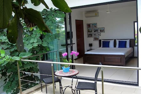 Bang Tao: Stylish new Bed&Breakfast - Phuket, Thailand