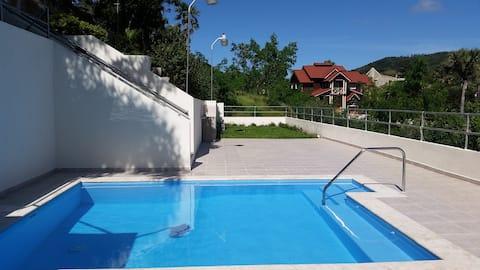 Hermosa Villa con Piscina y Rios
