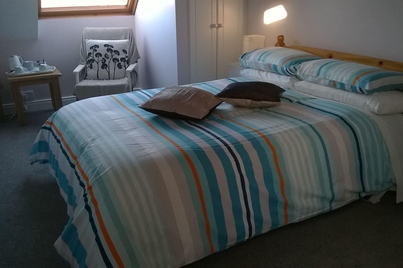 Standard double room at Twin Oaks