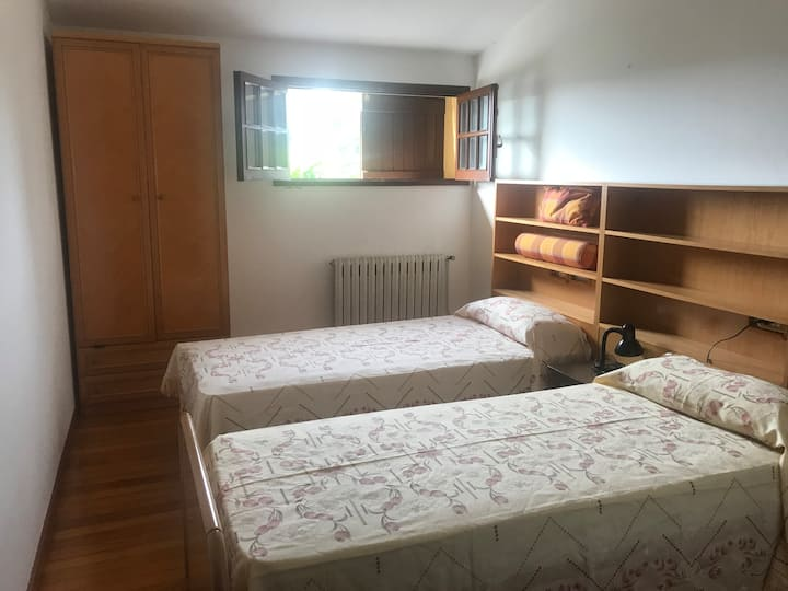 Habitación  doble en casa cerca del Monte del Gozo