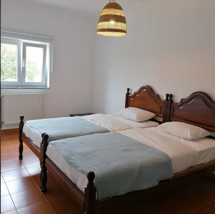 2 persoons privé kamer in villa -Zambujeira do Mar