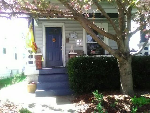 Cozy 2BR in Germantown - Louisville - Haus