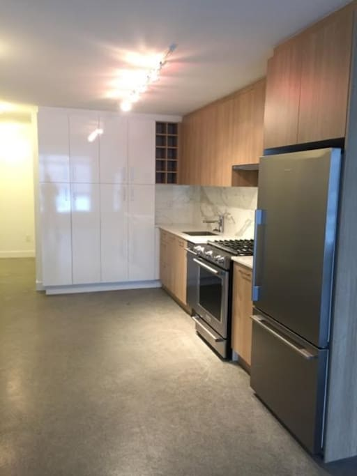 shared furnished kitchen with all applicances