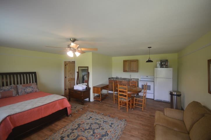 Lake Fork Heritage Farm, Suite 2