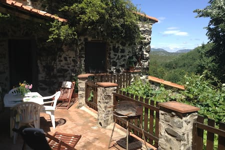 Balcony gite, Threeroofs, Pyrenees - Vira - Apartment