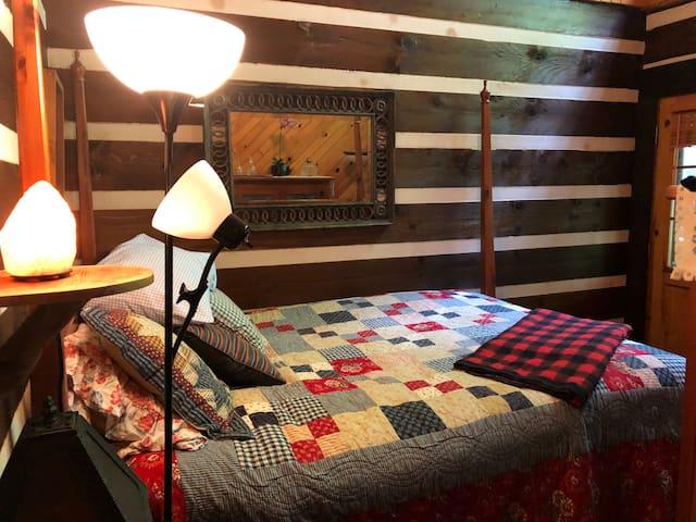 Room on the Creek - Country Inn B&B