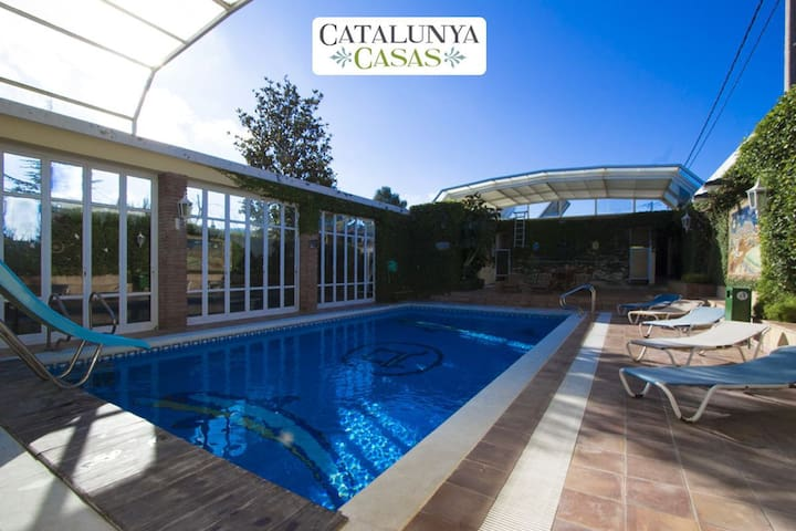 Villa Amalia La Llacuna for up to 22 guests in the Catalonian countryside! - Barcelona Region - Hus