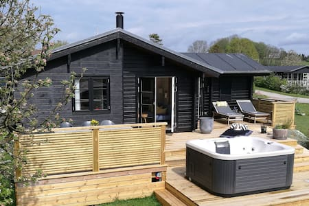 The little Nordic Woodhouse with outdoor spa