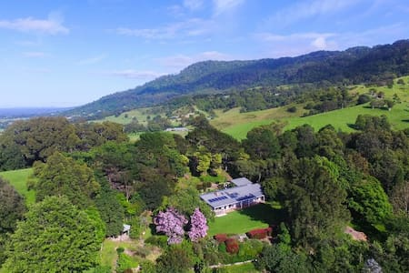 Rivendell - Blissful Berry Accommodation
