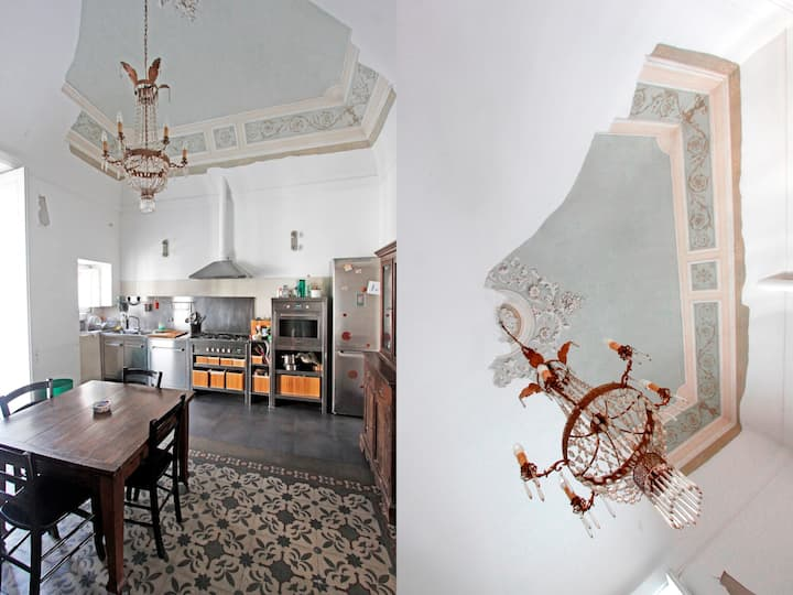 (F12) Sicily - Historic large flat and modern hint