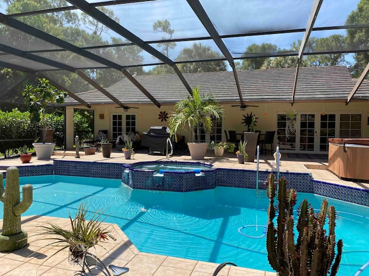 Tropical Pool home minutes to Polo Grounds
